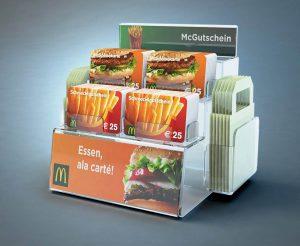 MCDonalds Geschenkkarten auf Kartenständer Display, gift cards on card rack